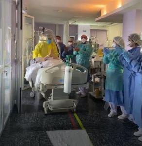 Primer alta de la UCI de un paciente con coronavirus en el Hospital Vega Baja