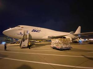 Dos nuevos vuelos con material sanitario de protección para la Comunidad Valenciana han aterrizado este fin de semana