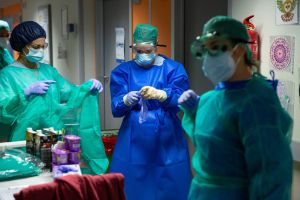 CSIF denuncia los retrasos en la obtención de resultados de las PCR en el Departamento de Orihuela