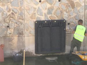La CHS instala unas clapetas en Orihuela por deterioro de las existentes