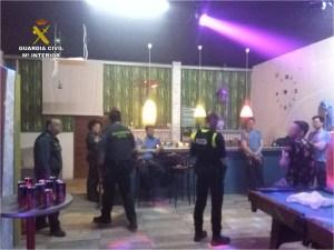 La Guardia Civil suspende una fiesta en un polígono de Albatera