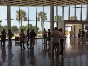 Los alcaldes de la Vega Baja y Arcadi España analizan el futuro de las infraestructuras de la comarca