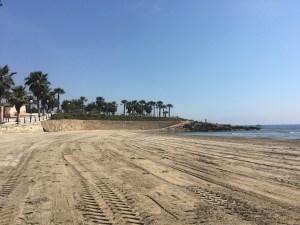 Las playas de Orihuela abren al baño a partir de este lunes sin lavapiés ni baños públicos