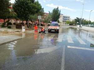 Protección Civil y Policía Local de Almoradí resuelven las incidencias por las fuertes lluvias