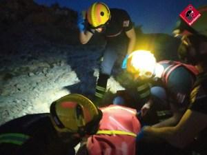 Los bomberos rescatan a un hombre de 63 años tras lesionarse cuando subía al Castillo de los Moros