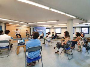 Carlos Mazón destaca el valor del diálogo en un encuentro en Alicante con jóvenes de Nuevas Generaciones