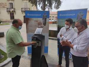 El Ayuntamiento de Orihuela adquiere dispensadores automáticos de gel hidroalcohólico que se colocarán en distintos puntos del término municipal