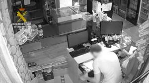 La Guardia Civil detiene a los autores de una oleada de robos en establecimientos de Torrevieja