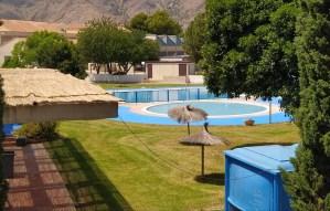 El PSOE de Callosa denuncia que se inicia agosto con la piscina de verano cerrada a pesar de que se anunció su apertura