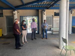 Callosa entrega kits de protección anticovid a los colegios e institutos y refuerza la limpieza