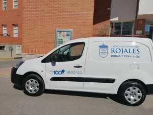 El Ayuntamiento de Rojales inicia el plan de renovación de vehículos con la adquisición de una furgoneta eléctrica