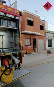 Se incendia una vivienda en Albatera