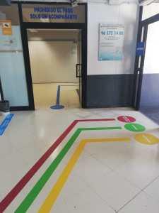 Ribera Salud refuerza la seguridad de los circuitos de acceso a los centros de salud del Departamento de Salud de Torrevieja