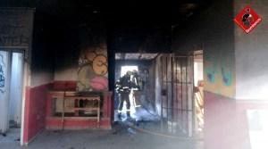 Se incendia una vivienda en la primera planta de un edificio en Torrevieja