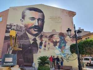 Rojales vuelve a rendir homenaje al maestro Gratiniano Baches con un espectacular mural urbano