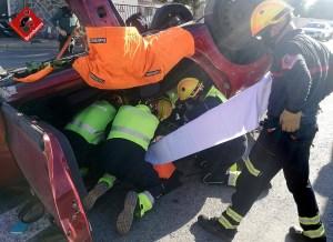 Herida tras volcar su vehículo en un accidente de coche en Orihuela Costa