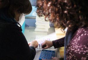 Alrededor de 700 personas han recibido en la comunidad este domingo la primera dosis de la vacuna contra el coronavirus durante una jornada que ha transcurrido con normalidad