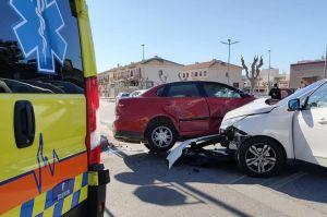 Tres vehículos sufren un aparatoso accidente en Pilar de la Horadada