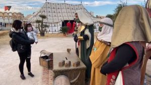 Los Reyes Magos se adaptan a la pandemia y acuden a su cita con los niños de la Vega Baja