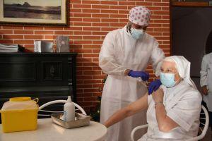 """Barceló: """"La próxima finalizará la administración en residencias de la primera dosis de vacuna contra la COVID-19"""""""