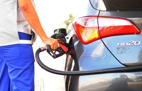 Image result for preço da gasolina teve queda em Pernambuco