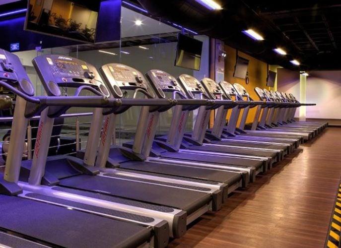 cintas running en gimnasio