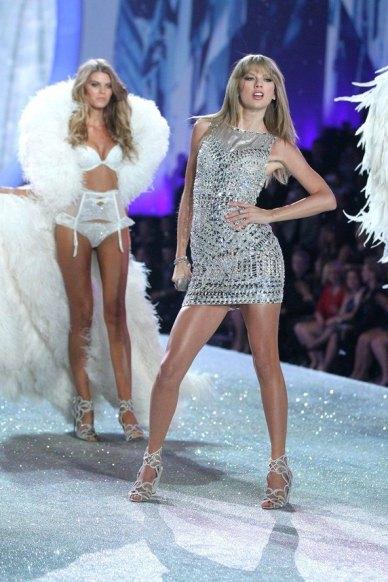 Taylor-Swift3_glamour_14nov13_rex_b_592x888