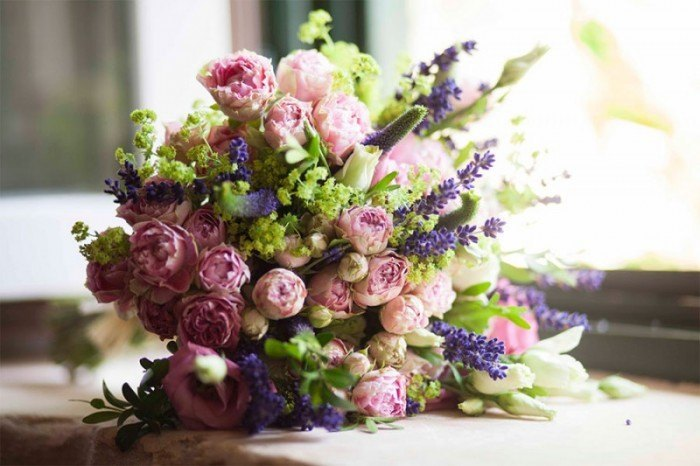 enchanting spanish wedding 1 e1405416481238 - Rosas de Pitimini para el Ramo de Novia