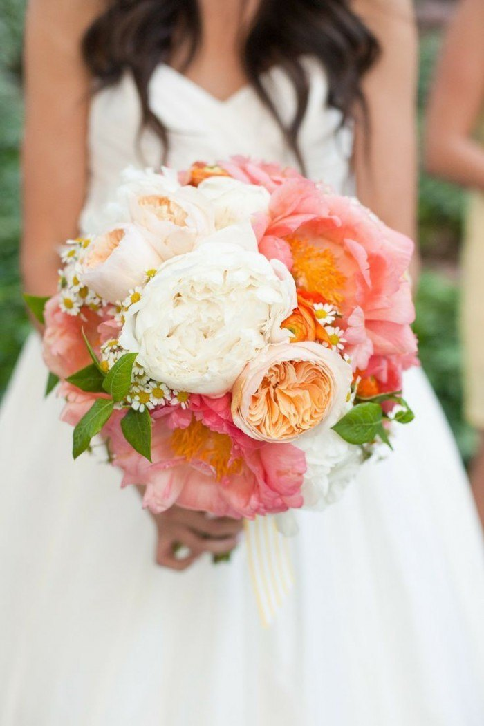 ramo de novia con Peonías naranja