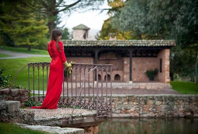 Vestido rojo invitada helena mareque