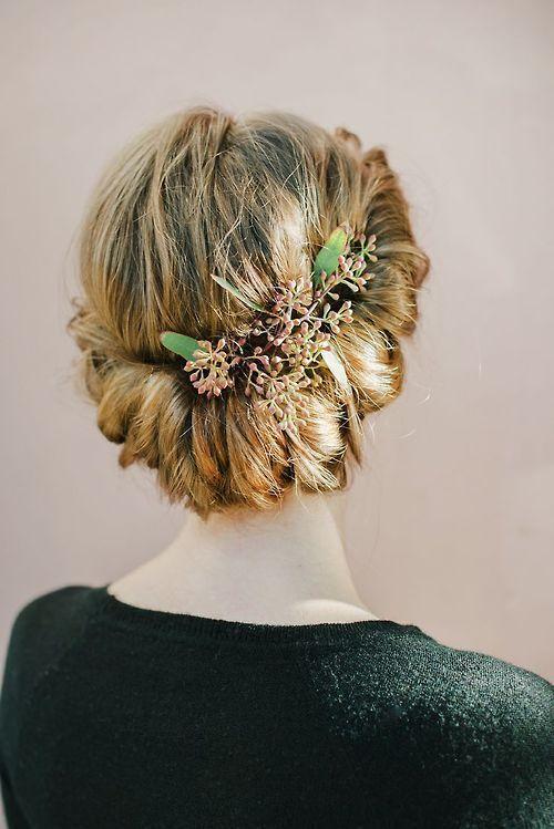 recogido para bodas con flores - Recogidos Bajos para Bodas