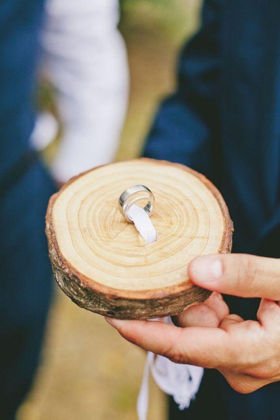 porta alianzas de madera diy - Cómo ahorrar en una boda
