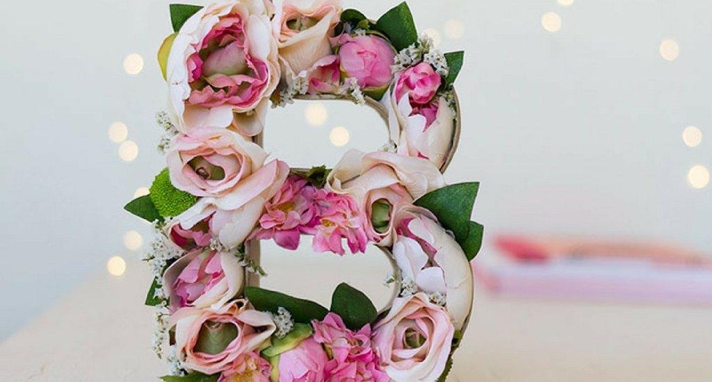 como hacer letras decoradas con flores