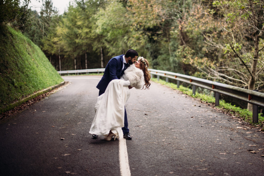 Pia Alvero fotografia de boda bonita en Bilbao. 1101 - La Boda Rústica de Tania y Rober en el Corazón del País Vasco