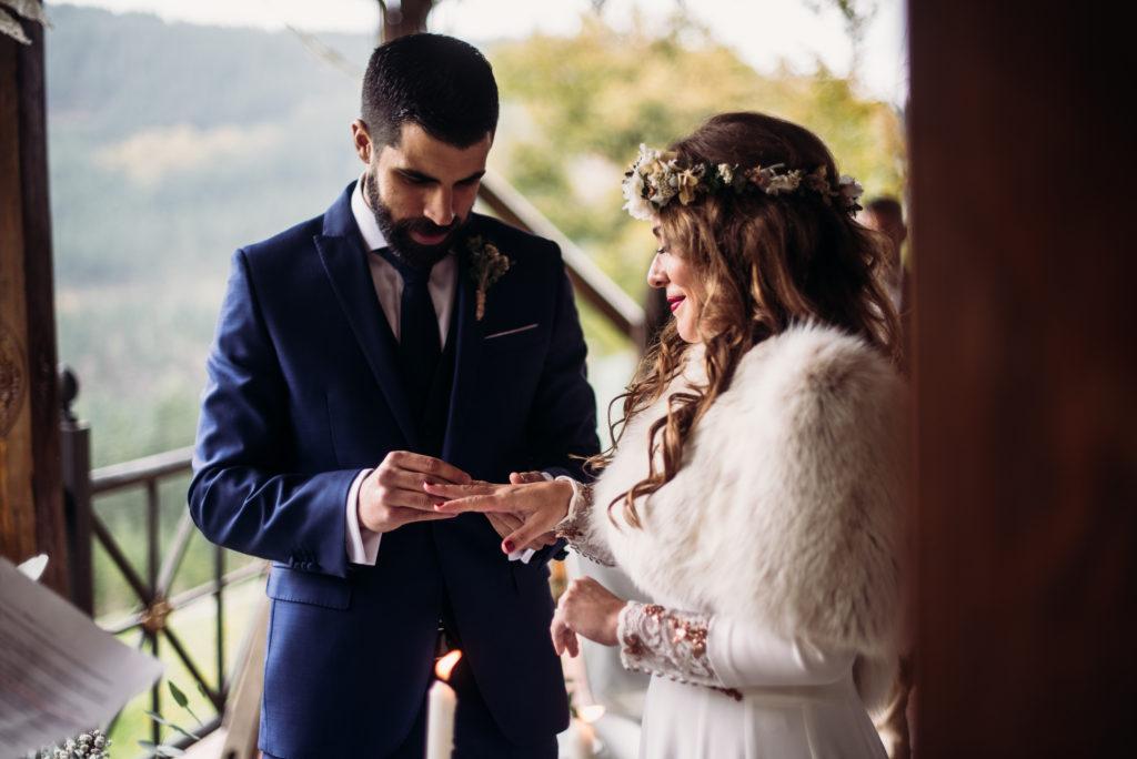 Pia Alvero fotografia de boda bonita en Bilbao. 629 - La Boda Rústica de Tania y Rober en el Corazón del País Vasco