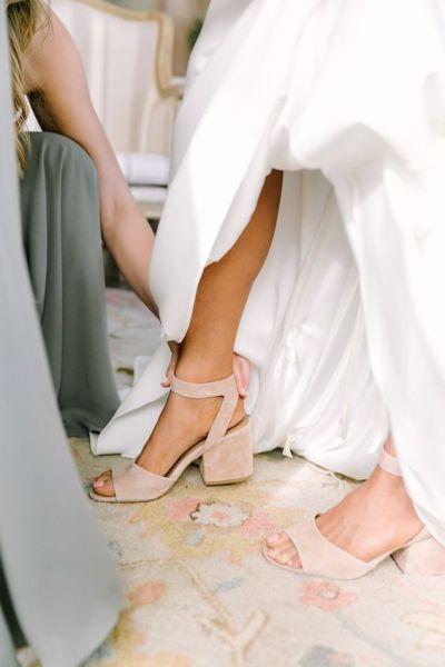 Sandalia con tacón ancho
