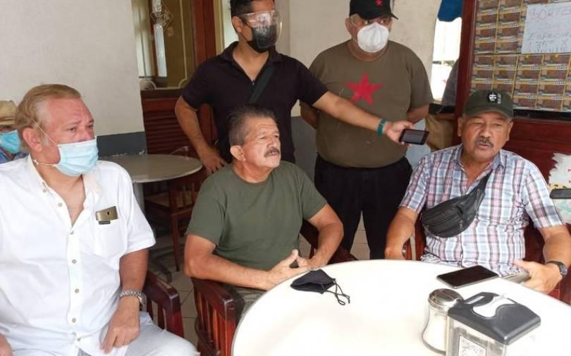 El Comité de Xalapa en una reunión para hablar sobre la marcha