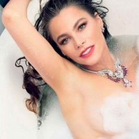 Sofia Vergara desnuda en una Bañera