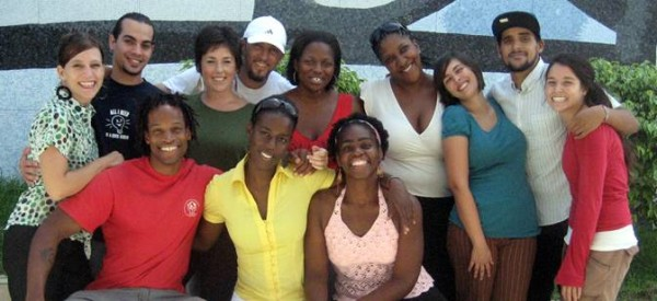 Estudantes americanos formados pela aclamada Escola de Medicina América Latina