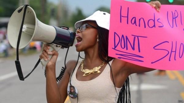 Protestos começaram após morte de adolescente negro