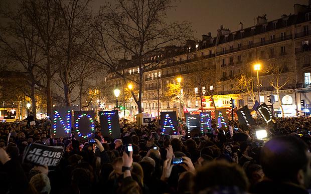 paris-not-afraid_3157581b