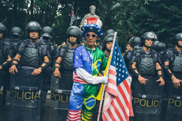 Tio Sam quer trazer a política dos Estados Unidos para o Brasil