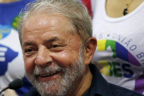 Golpe no golpe: Lula