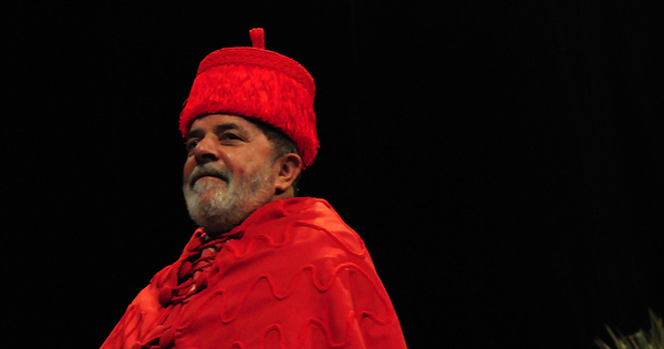 Lula lidera lista de homenagens a presidentes com 55 honrarias