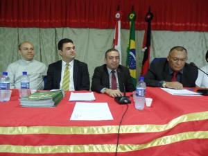 Da esq. para a dir.: padre Vagner, padre Janilson e os vereadores Alysson Américo e Marcos Barros
