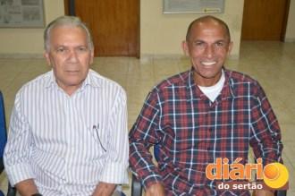 Zé Aldemir e Antonio Gobira sentaram um ao lado do outro na posse da ACI
