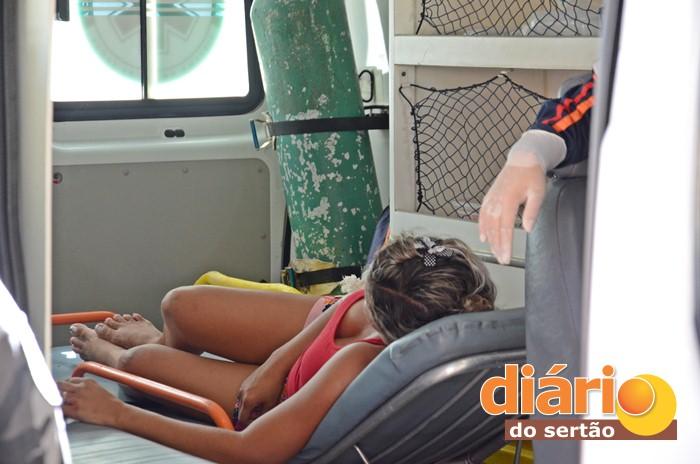 Fabíola Alves Fortunato alvejada tiro no braço direito (foto Charley Garrido)