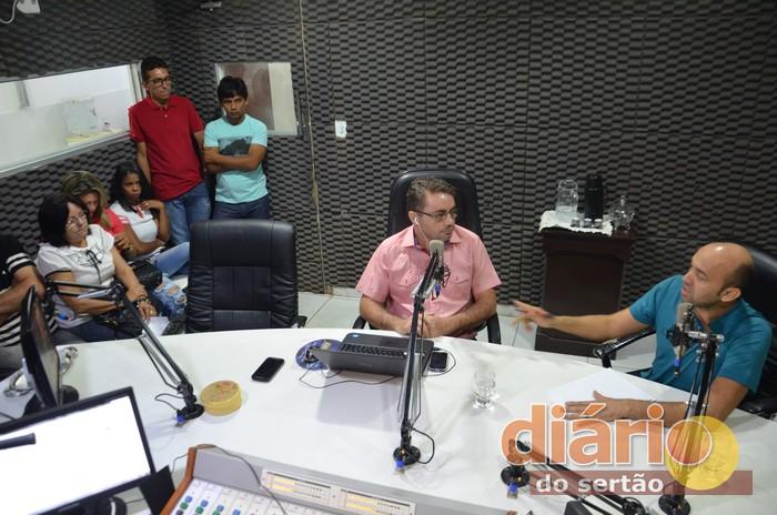 Hélio Roque foi entrevistado pelo radialista Levi Dantas nos estúdios da Líder FM de Sousa
