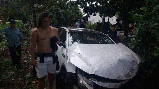 Ex-cantor da Calcinha Preta sofre grave acidente de carro: 'Muito machucado' (Foto: Reprodução)