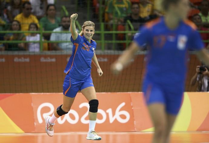 Angela Malestein comemora gol em jogo que eliminou o Brasil da Olimpíada (Foto: Reuters)